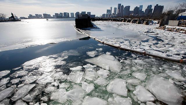 קרחונים ליד חופי בוסטון (צילום: AP) (צילום: AP)