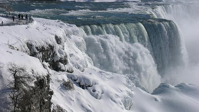 שלג במפלי הניאגרה (צילום: EPA) (צילום: EPA)