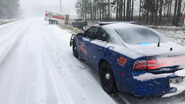 שלג נדיר בג'ורג'יה (צילום: EPA) (צילום: EPA)