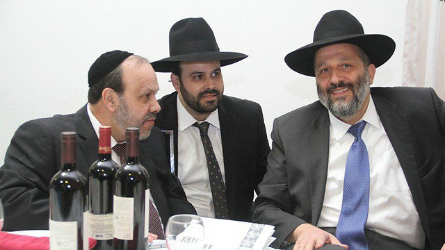 David Azoulay and Interior Minister Aryeh Deri  (Photo: Yakov Cohen)