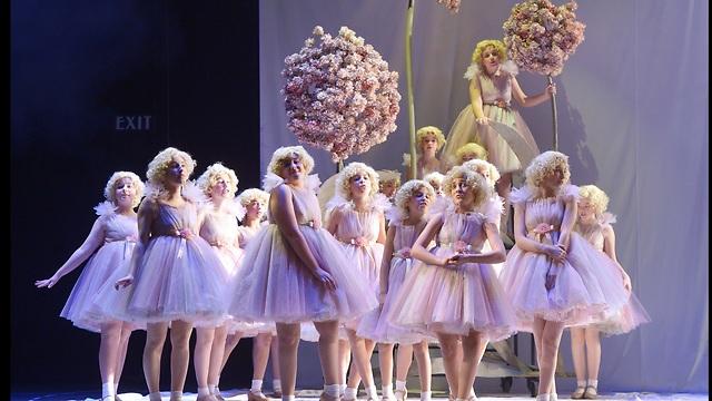 """פיות היער הקטנות - בנות מקהלת מורן. מתוך """"חלום ליל קיץ"""" (צילום: יוסי צבקר) (צילום: יוסי צבקר)"""
