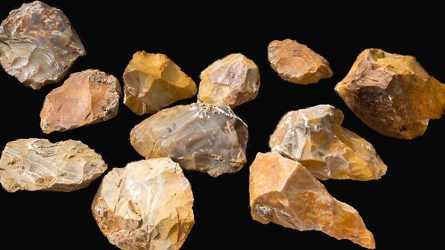 אבנים שנמצאו במקום (צילום: שמואל מגל, רשות העתיקות) (צילום: שמואל מגל, רשות העתיקות)