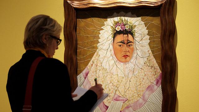 בקרוב במוזיאון ויקטוריה ואלברט - פרידה קאלו דרך המלתחה שלה (צילום: Getty Images) (צילום: Getty Images)