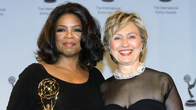 עם קלינטון, לפני עשור (צילום: AP)