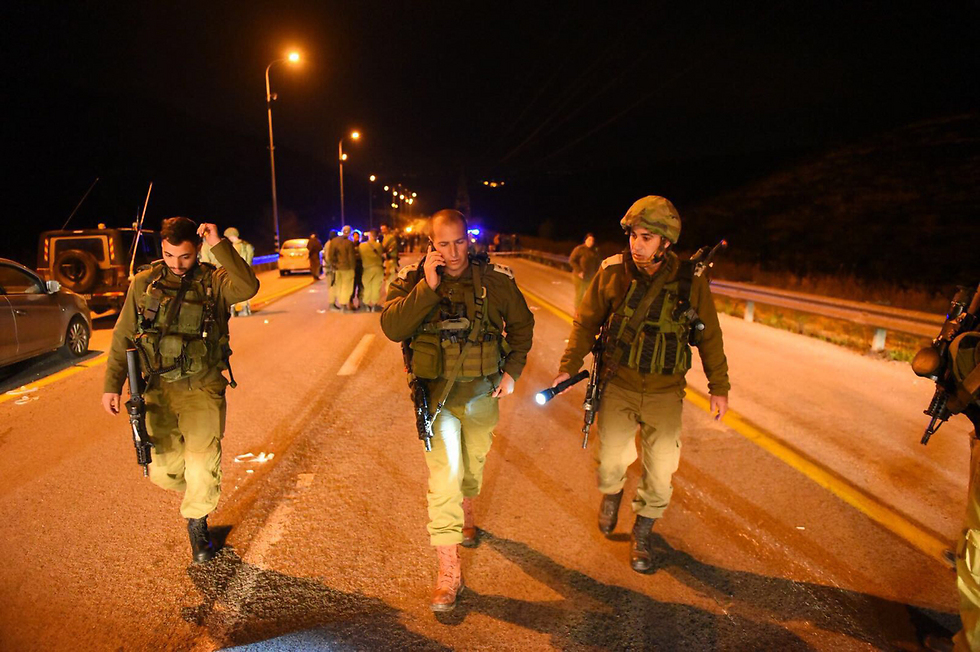 IDF forces searching the area for the perpetrators (Photo: IDF Spokesman's Office)