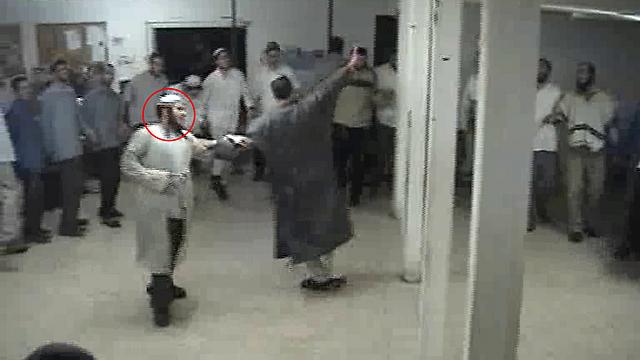 הרב שבח במסיבת החנוכה לפני 13 שנה (צילום: הרב זאביק הראל)