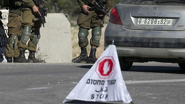 חסימת צירים באזור שכם, היום (צילום: AFP) (צילום: AFP)