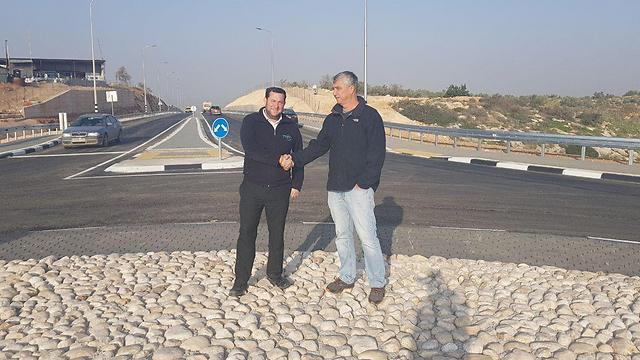 Head of Samaria Regional Council Dagan (L) and Karnei Shomron chief Lahav