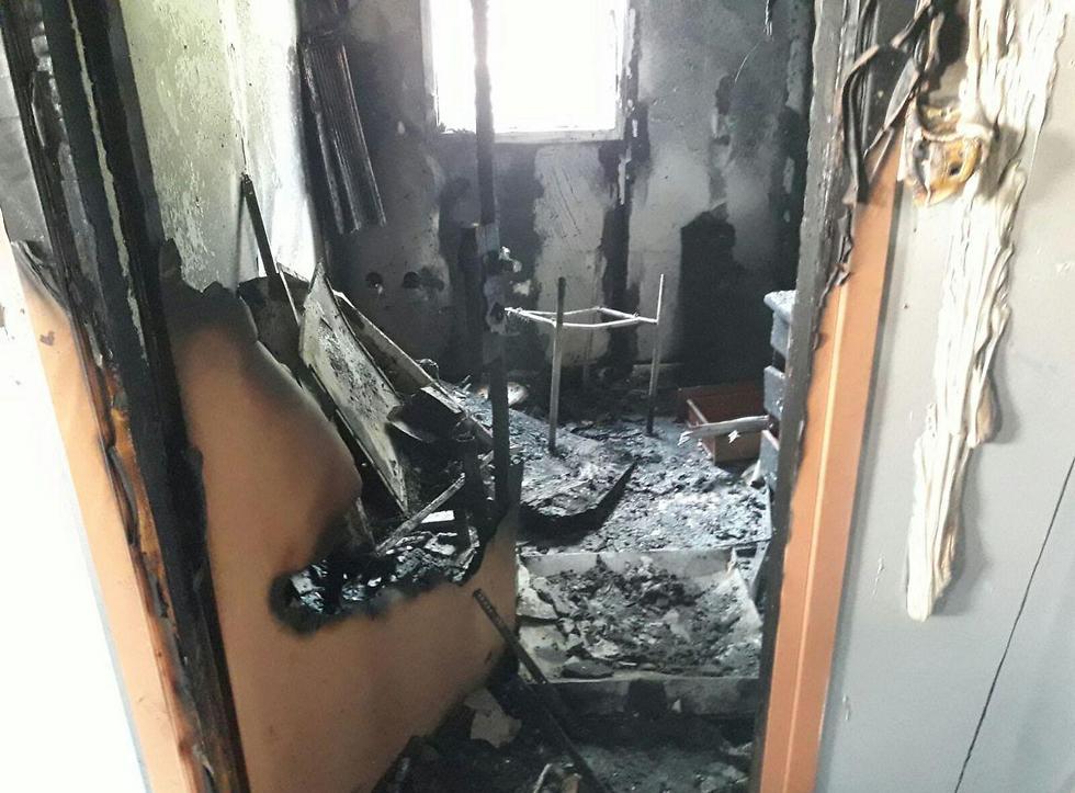 """בית הספר """"אור-משה"""" לאחר השריפה ()"""