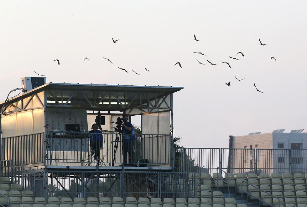 """עמדת השידור ברמה""""ש (צילום: אורן אהרוני) (צילום: אורן אהרוני)"""