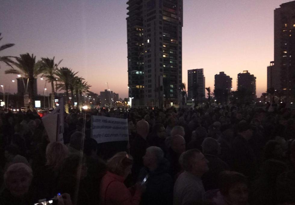 ערב של מחאה נגד כפייה דתית באשדוד ()