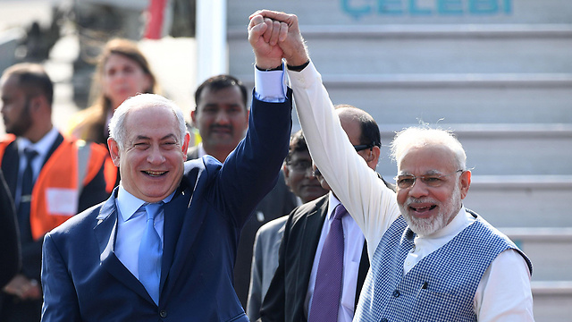 Netanyahu arriving in India (Photo: AFP)