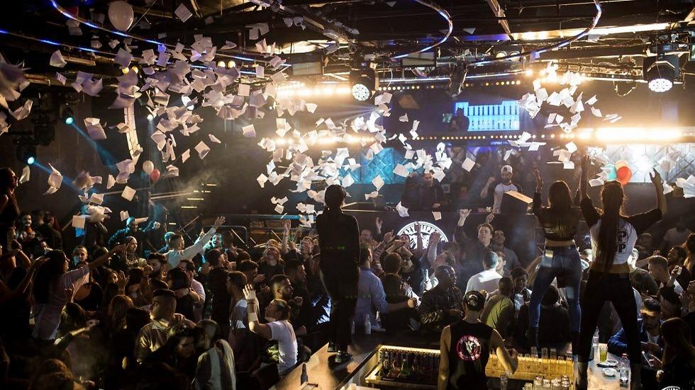 קרייזי אלפנט אילת. המסיבות מתחילות בשעות הקטנות של הלילה.  (צילום: ברק בן דוד) (צילום: ברק בן דוד)