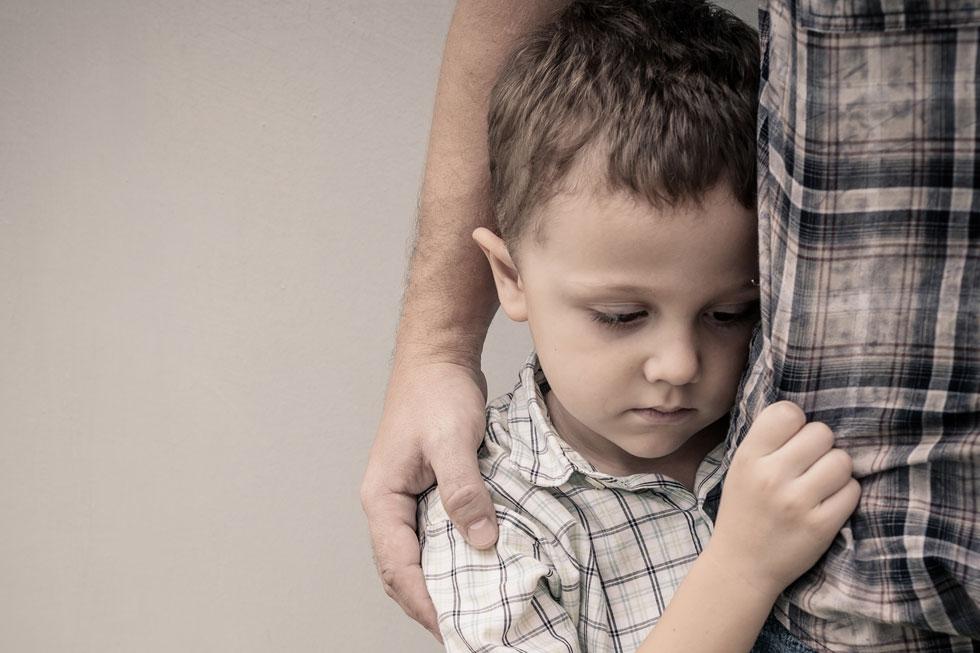 אילמות סלקטיבית היא הפרעת חרדה אצל ילדים, שמתבטאת בהימנעות מדיבור במצבים חברתיים (צילום: Shutterstock)