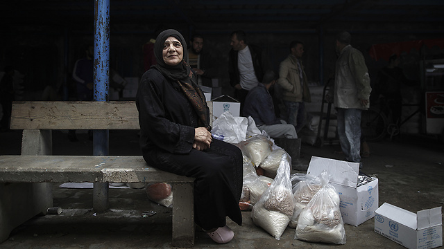 UNRWA food distribution center in Gaza (Photo: MCT)