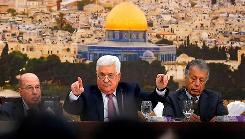 Palestinian President Mahmoud Abbas at Palestinian Central Council meeting in Ramallah (Photo: AFP)