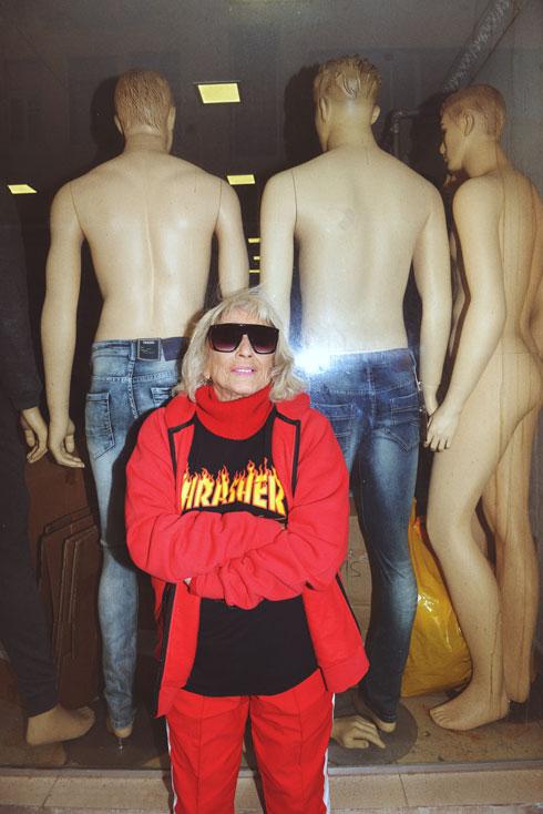 """9. """"סגנון הלבוש שלי ספורטיבי. אני לובשת המון ג'ינסים, והאהובים עליי ביותר נקנו בטופשופ"""" (צילום: ערן לוי)"""
