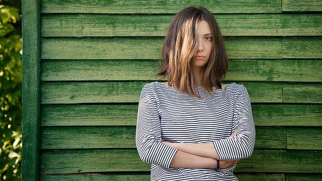 """""""היום שהכי קשה לי הוא שבת, שבו אני חשה בודדה מתמיד"""" (צילום: Shutterstock) (צילום: Shutterstock)"""
