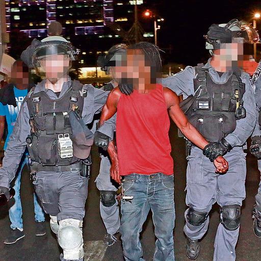 """הפגנת האתיופים. """"יש יותר אלימות של המשטרה נגד מיעוטים, כמו אתיופים וחרדים"""""""