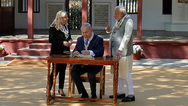 PM Netanyah with his wife Sara and PM Modi in Ahmedabad, Gujarat (Photo: Reuters)