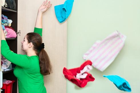תגידי לעצמך: 1, 2, 3 ותשליכי מיד את כל הבגדים (צילום: Shutterstock)