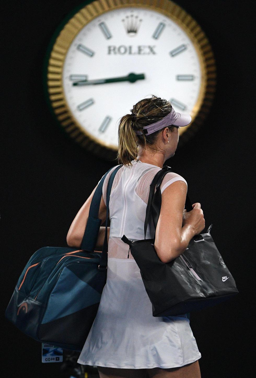 זמן ללכת. שראפובה (צילום: AFP) (צילום: AFP)