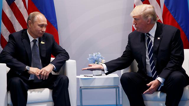 """רוסיה: """"העדיפות העליונה - למנוע מלחמה"""" (צילום: AP)"""