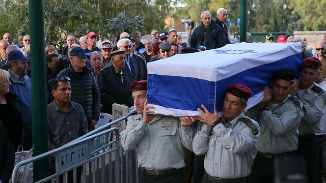 הלווייתו של אלוף רובין בתל אביב (צילום: מוטי קמחי) (צילום: מוטי קמחי)
