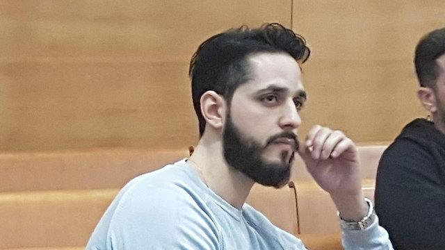 """עבריין המין יניב קקון, היום בבית המשפט (צילום: אחיה ראב""""ד) (צילום: אחיה ראב"""