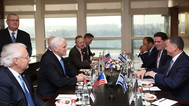 Edelstein, on the right, meets with Pence in the Knesset (Photo: Knesset)