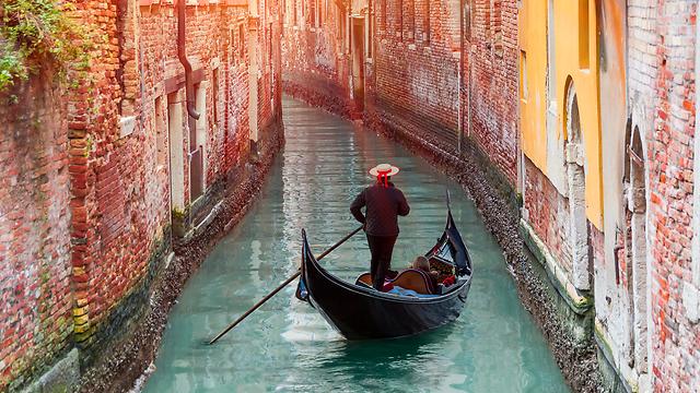 פסח על גונדולה - ונציה, איטליה (צילום: שאטרסטוק) (צילום: שאטרסטוק)