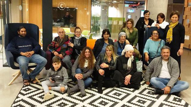 המשפחה לאחר האיחוד (צילום: MyHeritage) (צילום: MyHeritage)