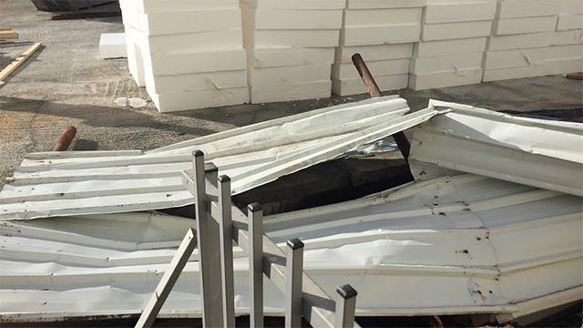 הגדר המקיפה את הבניין והתמוטטה (צילום: גבי קמינסקי) (צילום: גבי קמינסקי)
