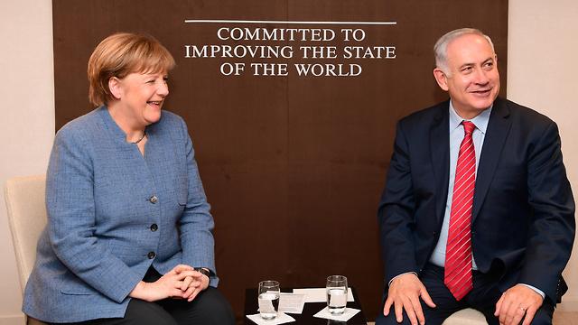 Премьер-министр Израиля Биньямин Нетаниягу и федеральный канцлер Германии Ангела Меркель. Фото: Амос Бен-Гершон/ЛААМ (Photo: Amos Ben Gershom/GPO)