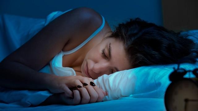 שינה בריאה. עדיף בחושך מוחלט (צילום: shutterstock) (צילום: shutterstock)