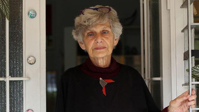 """""""זה לא רק לא הומני, אלא גם לא חוקי לפי החוק הבינלאומי"""". חנה ארנון (צילום: גיל יוחנן) (צילום: גיל יוחנן)"""