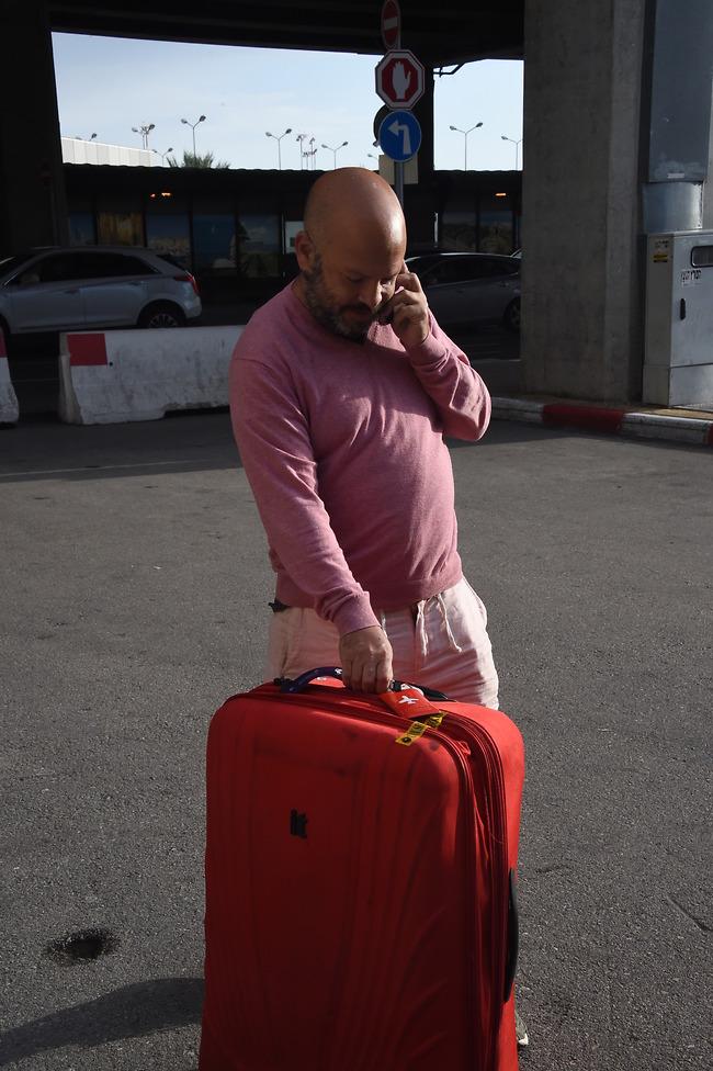 המזוודה לא גדולה במיוחד, ידעת שזה יהיה קצר? (צילום: יאיר שגיא)