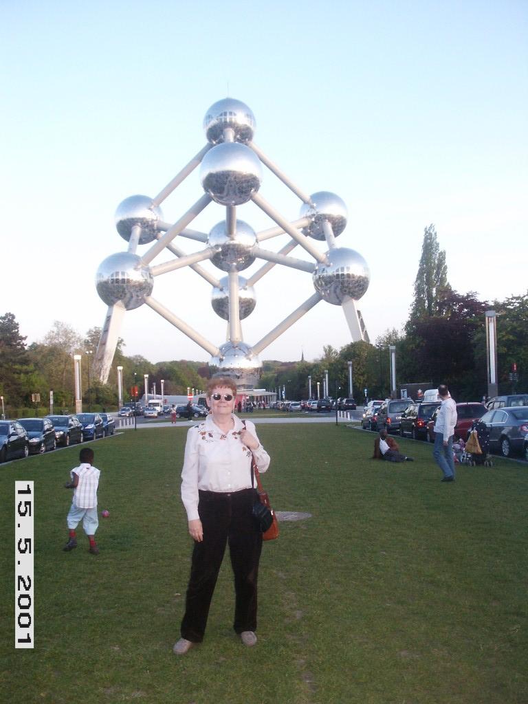 דרורה גושן בעת שהייתה בשליחות בבלגיה כנציגת התעשייה האווירית באיחוד האירופי