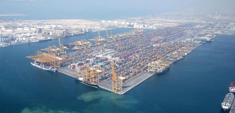 נמל ג'בל עלי בדובאי הפך לנמל הימי הגדול והעסוק ביותר במזרח התיכון, בהפרש ניכר ממתחריו ()