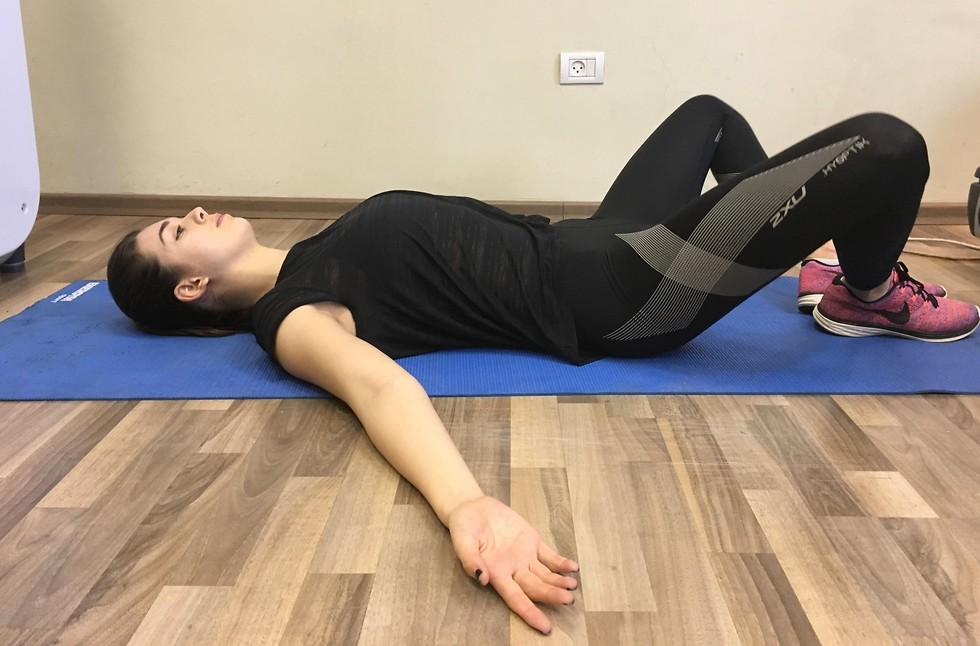 תרגיל מתיחה לשרשרת השרירים הקדמית ()