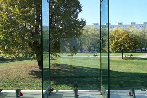 מכאן יתבוננו המבקרים באנדרטה, שתוקדש ליחידי הסגולה הפולנים שעזרו ליהודים (צילום: מיכאל יעקובסון)