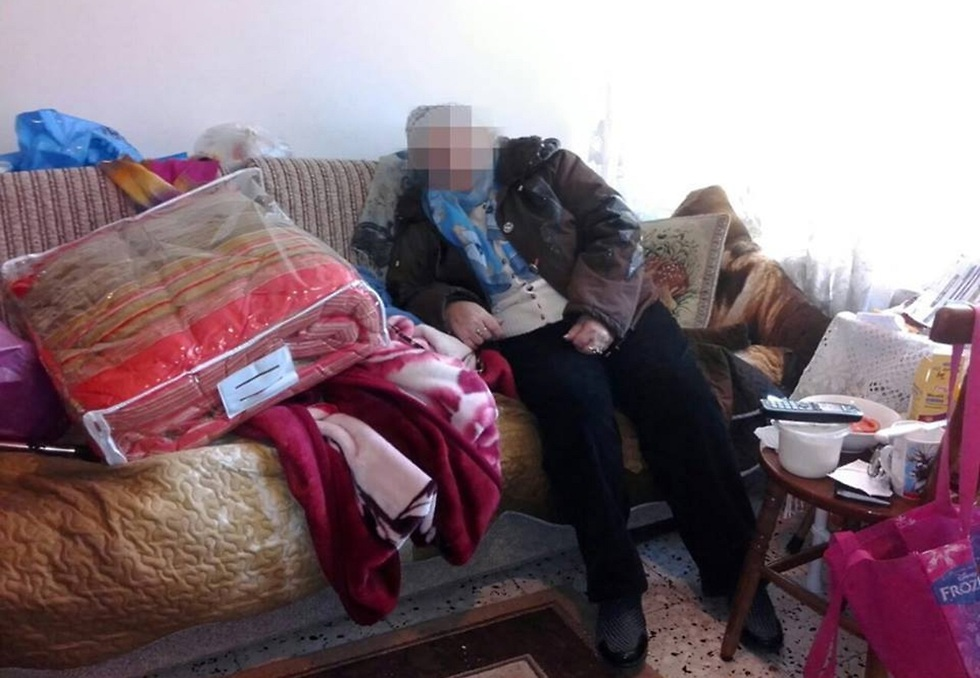 """""""אנחנו שונאים את החורף, הקירות בתל אביב נורא דקים והבית קפוא בטירוף"""" ()"""