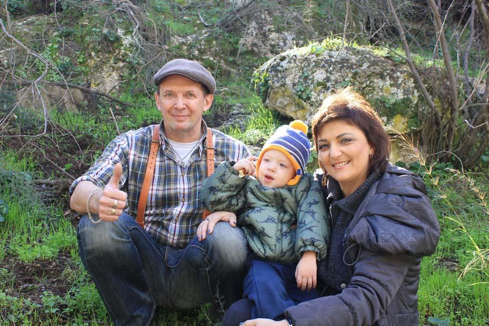 Виктор Чепелев с женой Аллой и внуком Лео