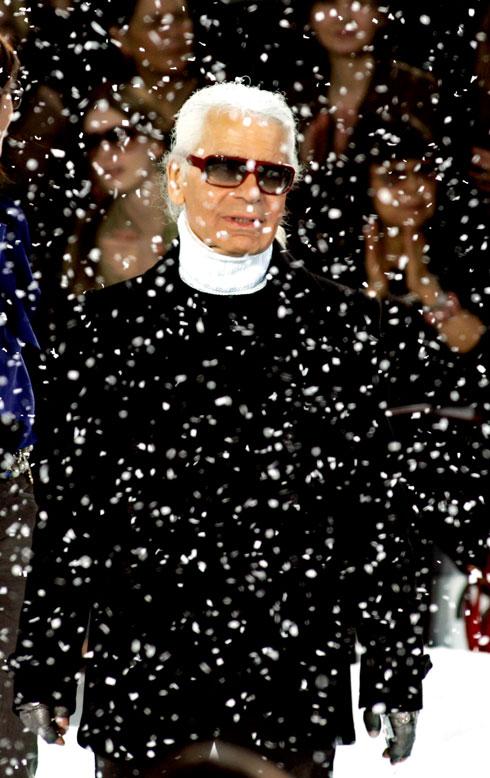 ה-תפקיד הבולט מכולם, זה שעליו ייזכר לגרפלד בדברי הימים של תעשיית האופנה, היה תפקיד המנהל האמנותי של שאנל (צילום: AP)