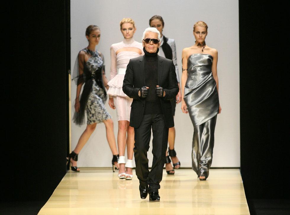 את תרומתו לתעשיית האופנה, האמנות והבידור קשה לכמת במילים. לגרפלד, 2009 (צילום: AP)