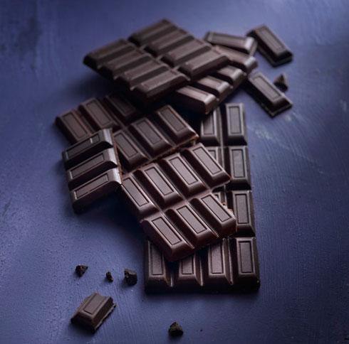 """לחצו על התמונה כדי להגיע למתכוני שוקולד שווים (צילום: רונן מנגן """"סופר פוד- שער למטבח חדש"""")"""