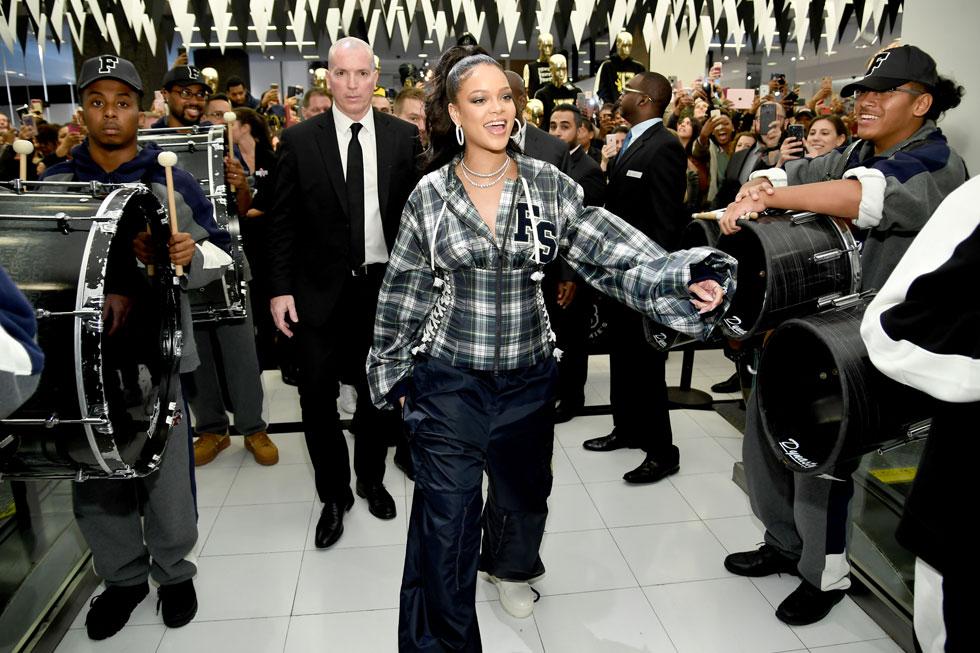 על פי הצהובונים, ריהאנה הוסיפה למשקלה כ-11 קילו בשנה החולפת (צילום: Gettyimages)