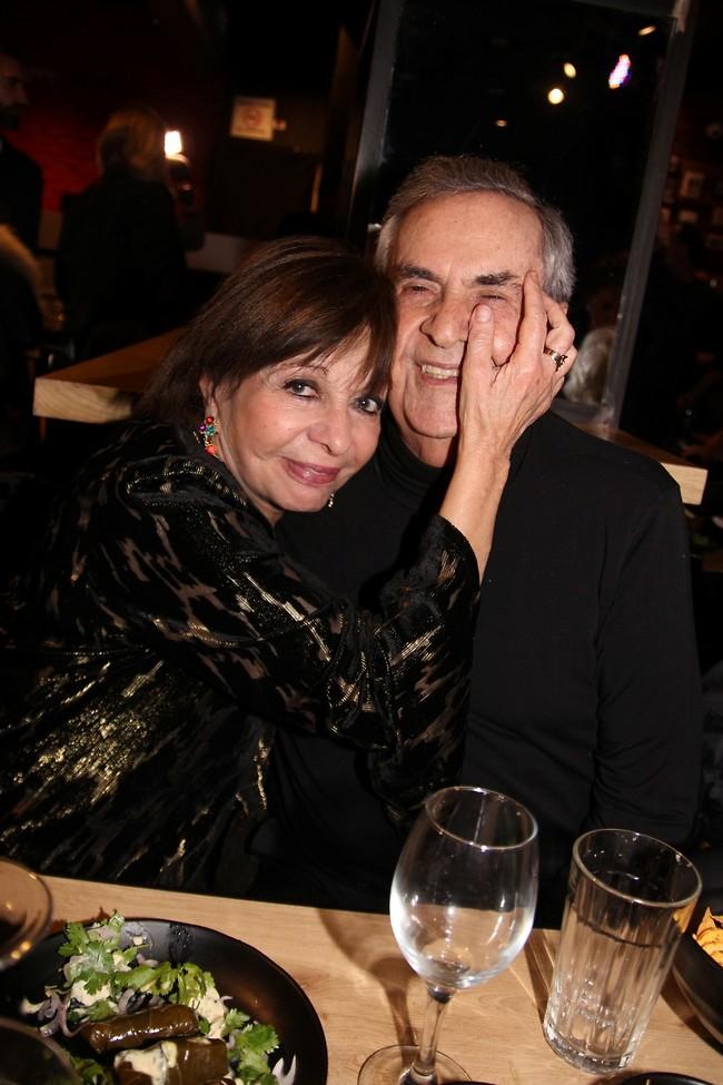 דבוקים. רבקה מיכאלי ובעלה ראובן שרוני (צילום: אור גפן)