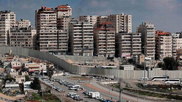 E. Jerusalem security barrier (Photo: AFP)