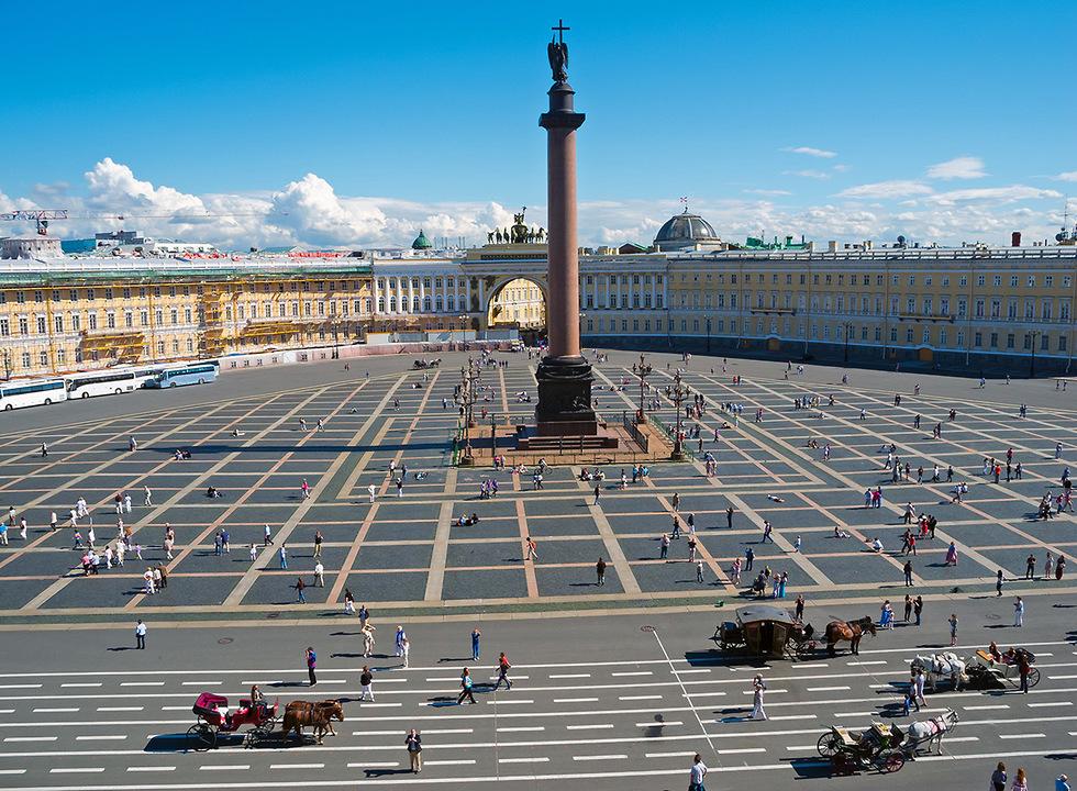 כיכר הארמון הגדולה בעיר (צילום: depositphotos.com) (צילום: depositphotos.com)